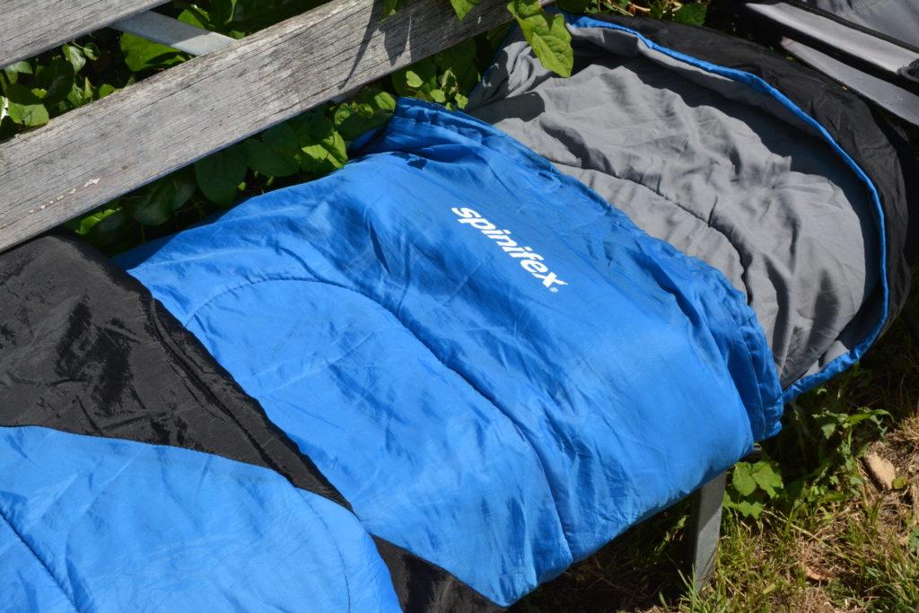 キャンプ 寝袋